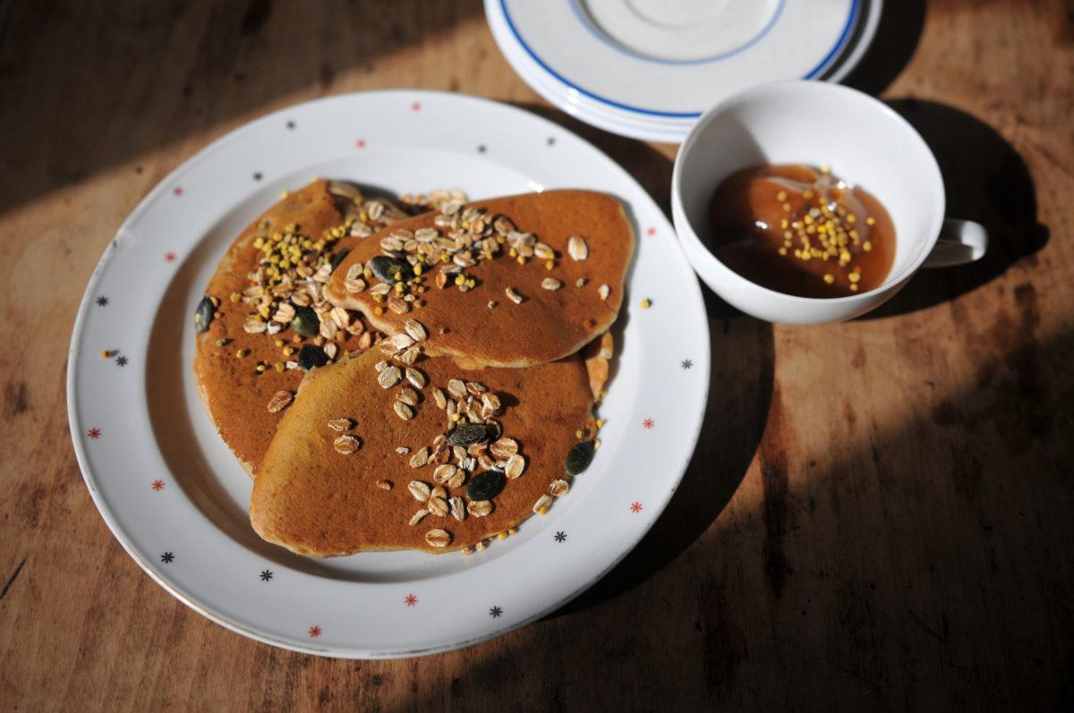 Honey cooking blog - American sourdough pancakes
